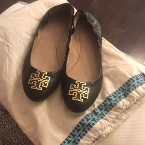 Tory Burch Melinda black leather flat size 8